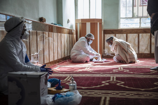 IOM Afghanistan's five COVID-19 Rapid Response Teams (RRTs) in Herat province offer COVID-19 awareness sessions and screening to thousands of underserved people in community centres and mosques around Herat.   The RRTs in Herat conduct 90 per cent of all COVID-19 testing in Herat province, providing an essential service that would otherwise be unavailable to poorer communities, inclusive of persons who have recently returned from Iran or been displaced by conflict or disasters.
