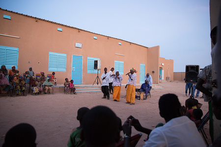 """IOM Niger three-day """"Festival on Safe and Informed Migration"""" in Agadez, Niger. Participatory theatre in IOM Transit Center."""