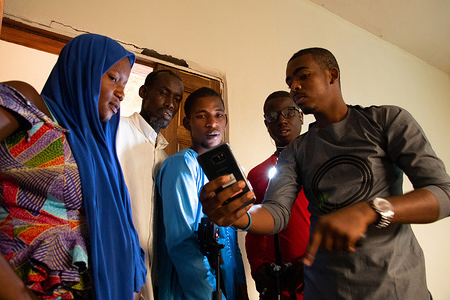 Young Senegalese who returned home from Algeria, Mali, and Libya interview one another about their migration experiences. The initiative is part of IOM's Migrants as Messengers project, which uses peer-to-peer messaging to fill gaps in information and ensure people are better informed about the risks of irregular migration. Young Senegalese who returned home from Libya and Morocco interview one another about their migration experiences. The initiative is part of IOM's Migrants as Messengers project, which uses peer-to-peer messaging to fill gaps in information and ensure people are better informed about the risks of irregular migration. They are participating in the project as Volunteer Field Officers and will interview other returnees, potential migrants, and community members about irregular migration. The videos are then shared on Facebook and at community events.